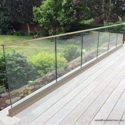 New-Town-Glass-Ltd-Stainless-Glass-Railing-West-Kelowna