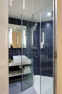 Glass shower doors for your bathroom